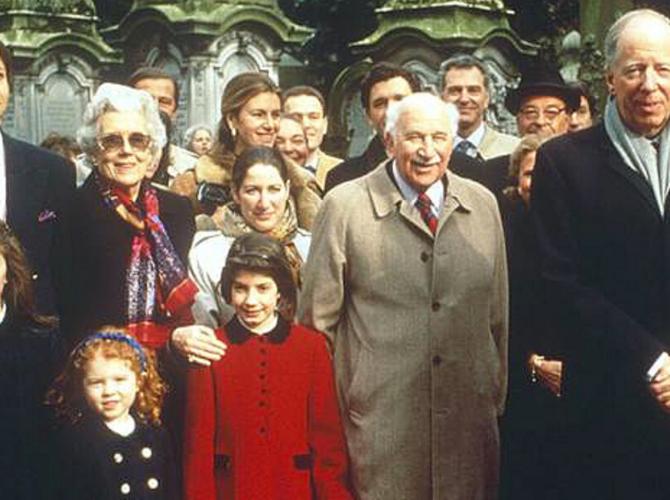 10 семей которые управляют миром